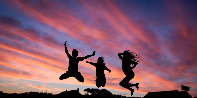 Kinderzahnheilkunde, Spaß beim Zahnarzt, entspannte, angstfreie, fröhliche Kinder